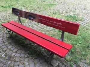 Una panchina rossa contro la violenza di genere