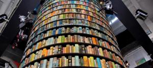 Salone del Libro, dopo lo scippo a Torino l'Aie si spacca