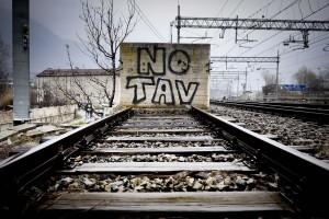 Tav, sospendere la ratifica del trattato