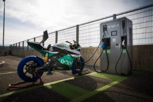 Moto-E, la sfida è elettrica