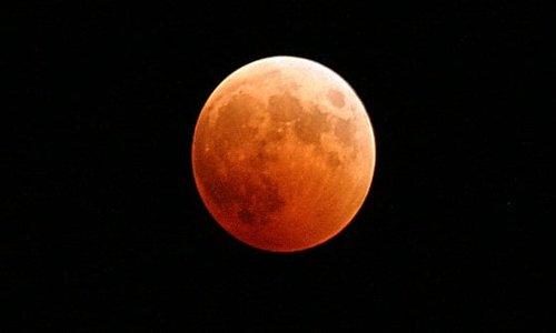 L'eclissi del secolo
