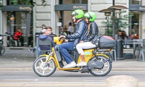 Torino punta all'elettrico con lo scooter sharing di Iren