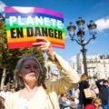 Parigi in marcia per il clima