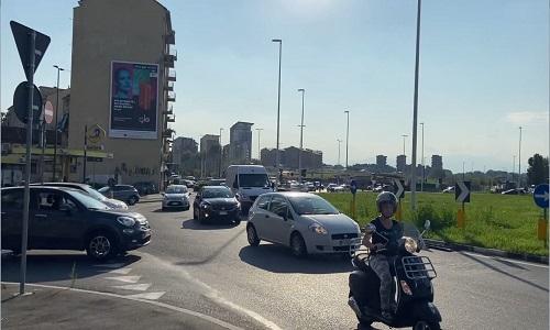 Piazza Baldissera, il caos di una delle piazze più congestionate d'Europa
