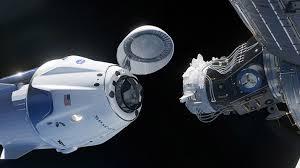 La capsula SpaceX Dragon attracca alla Stazione Spaziale Internazionale
